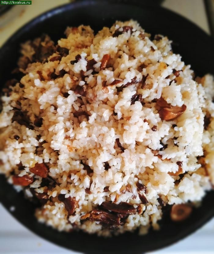 Жареный рис с грибами